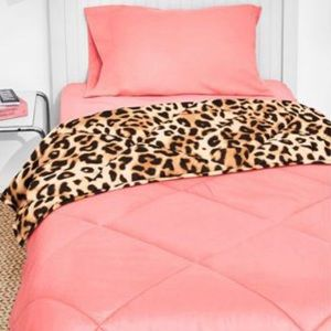 Full/queen Victoria's Secret bed-in-a-bag by Pink.